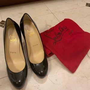 Authentic Christian Louboutin black heels size 35.